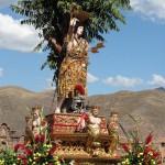 Miles de fieles participan en la festividad de San Sebastián