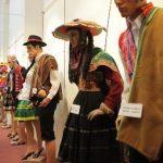 Exposición de trajes cusqueños