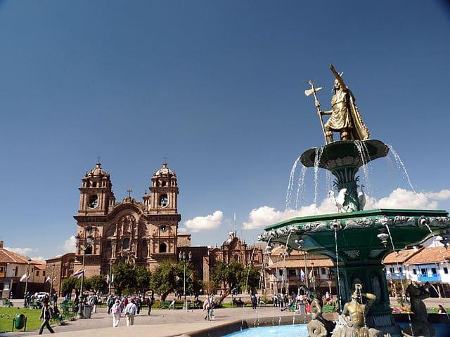 Plaza_de_Armas_Cusco,_Peru